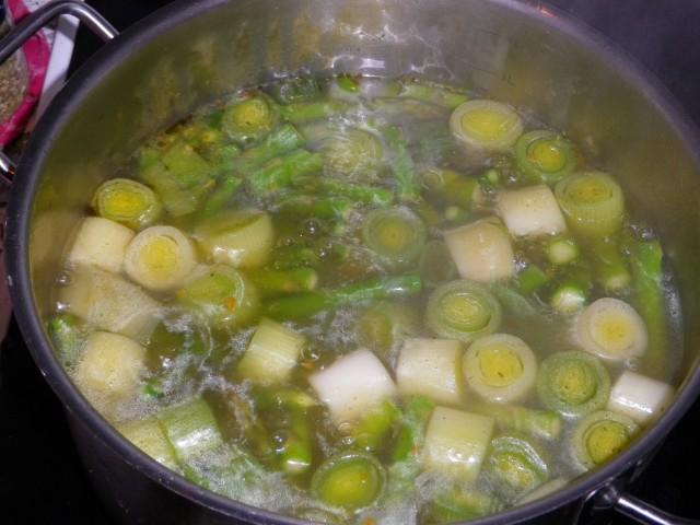 Aspargessuppe gryde 1