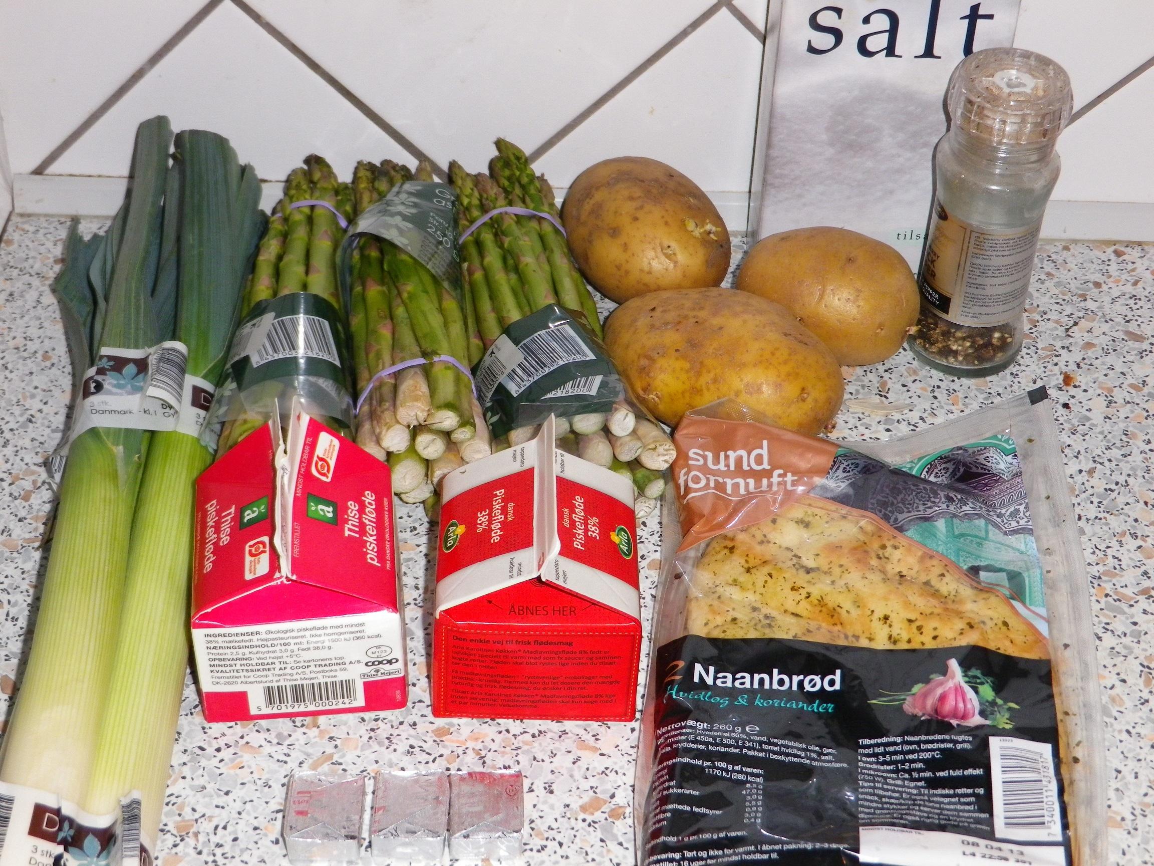 aspargessuppe med kødboller