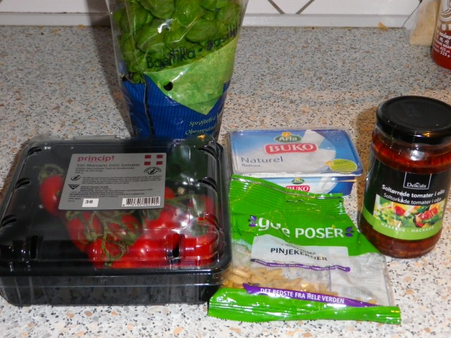 fyldte cherrytomater - ingredienser