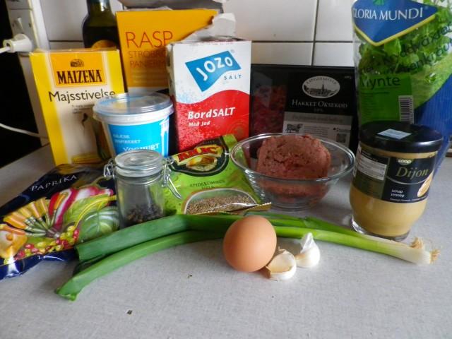 Lammedeller i yoghurtsauce - ingredienser