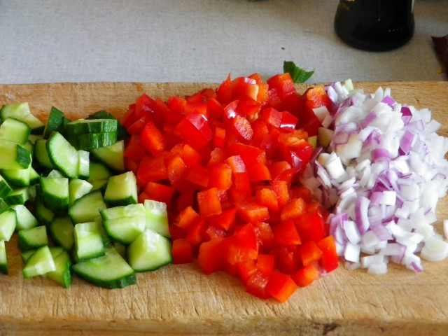 fyldig kartoffelsalat - fyldet snittet
