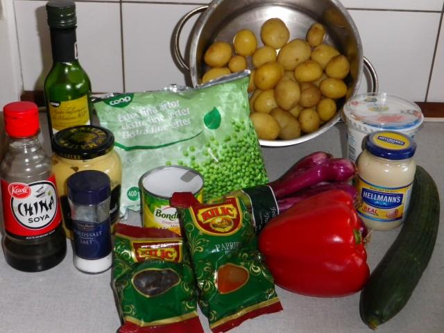 fyldig kartoffelsalat ingredienser