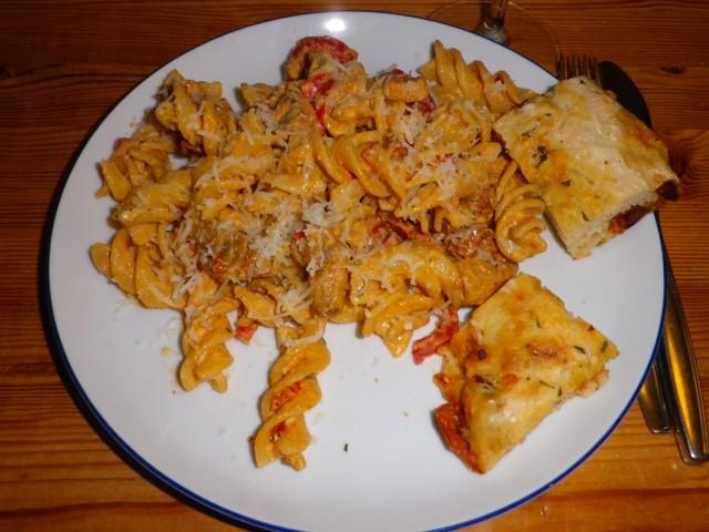 spansk pasta - serveret