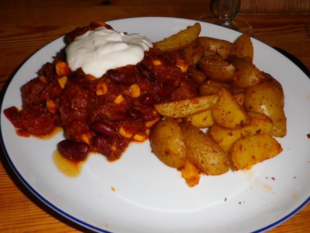 chorizo chili - serveret
