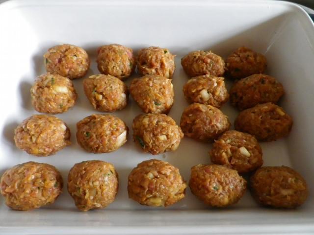 spanske kødboller - kødboller i fad